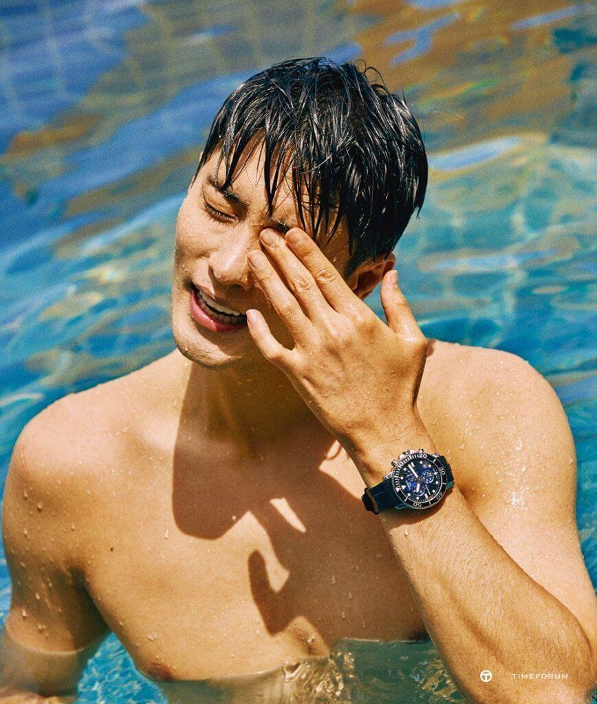 成勛為運動錶代言發揮游泳健將本色