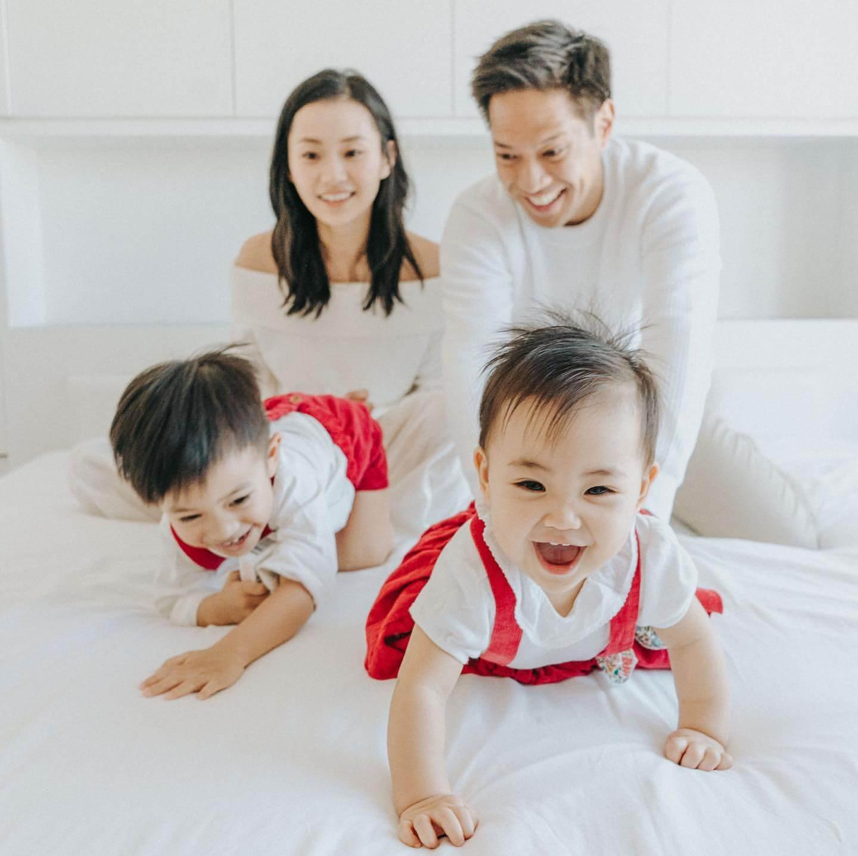 楊愛瑾三年抱兩,忙住湊子女,與老公郭永淳甚少獨處時間,可惜老公弓解溫柔。