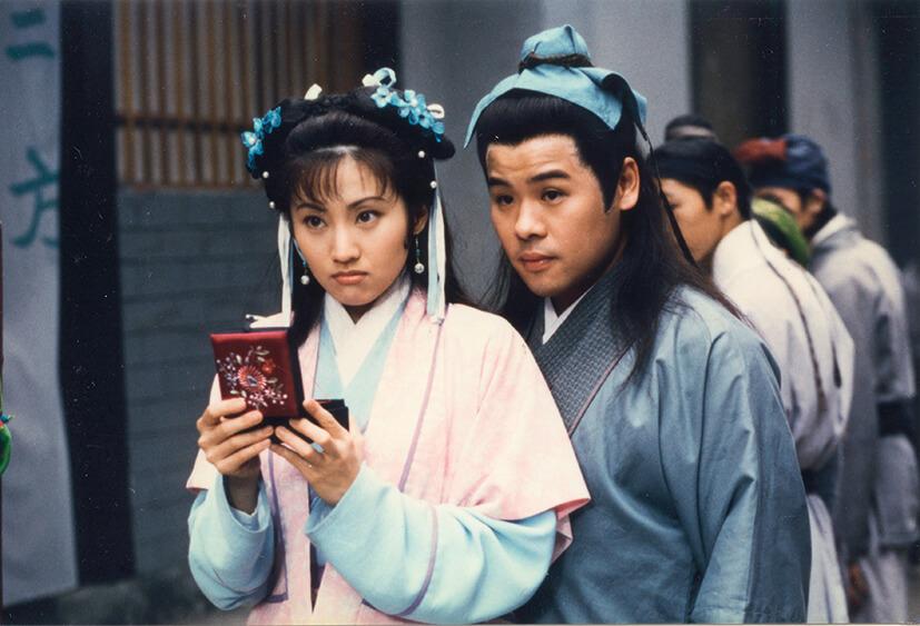在《花木蘭》中,與韋家雄飾演花木蘭的妹妹和弟弟。