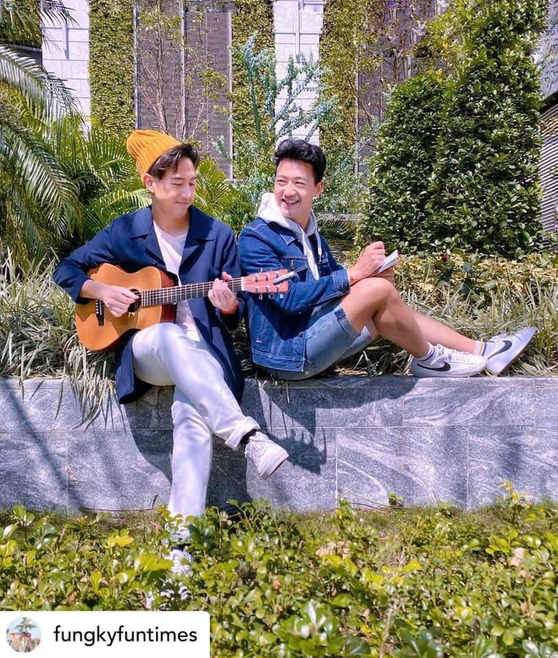 他與孖生弟弟Tim近日開設專頁,分享自家創作的食物歌。(FB圖片)