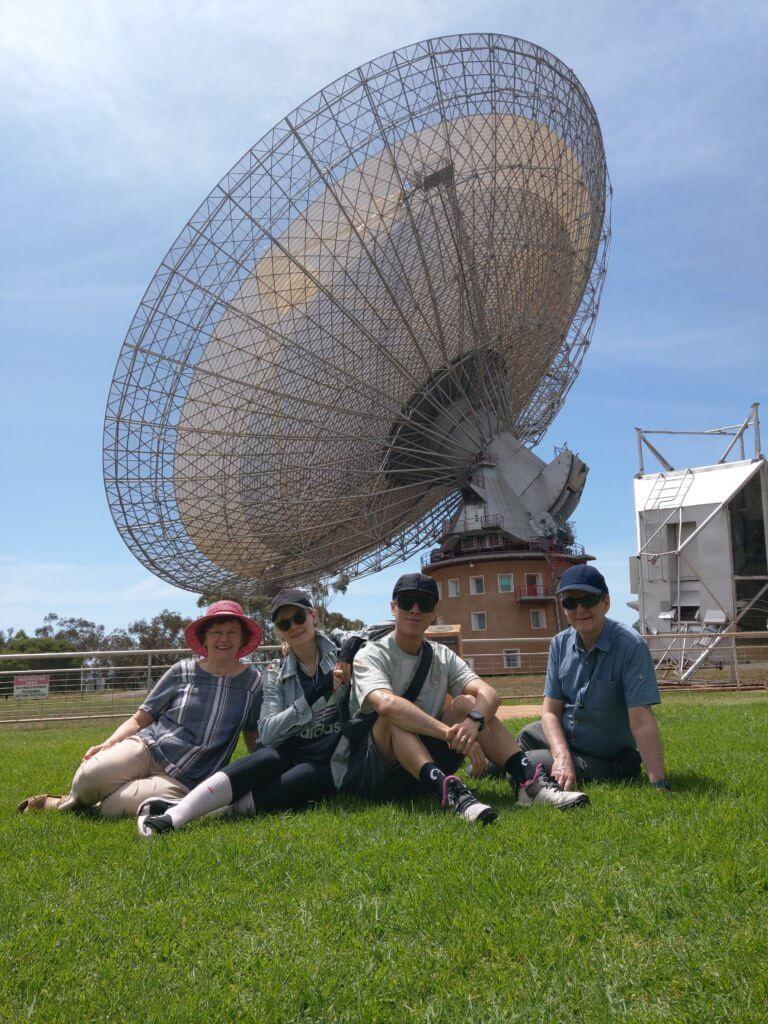 去了公公參與鋪電纜的天文衛星站,這裏曾是電影《The Dish》的拍攝地。
