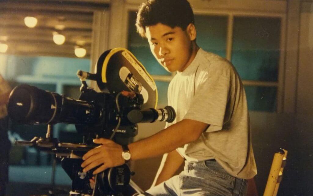 韋家雄未做演員前,做過廣告行業的拍攝機器組散工。