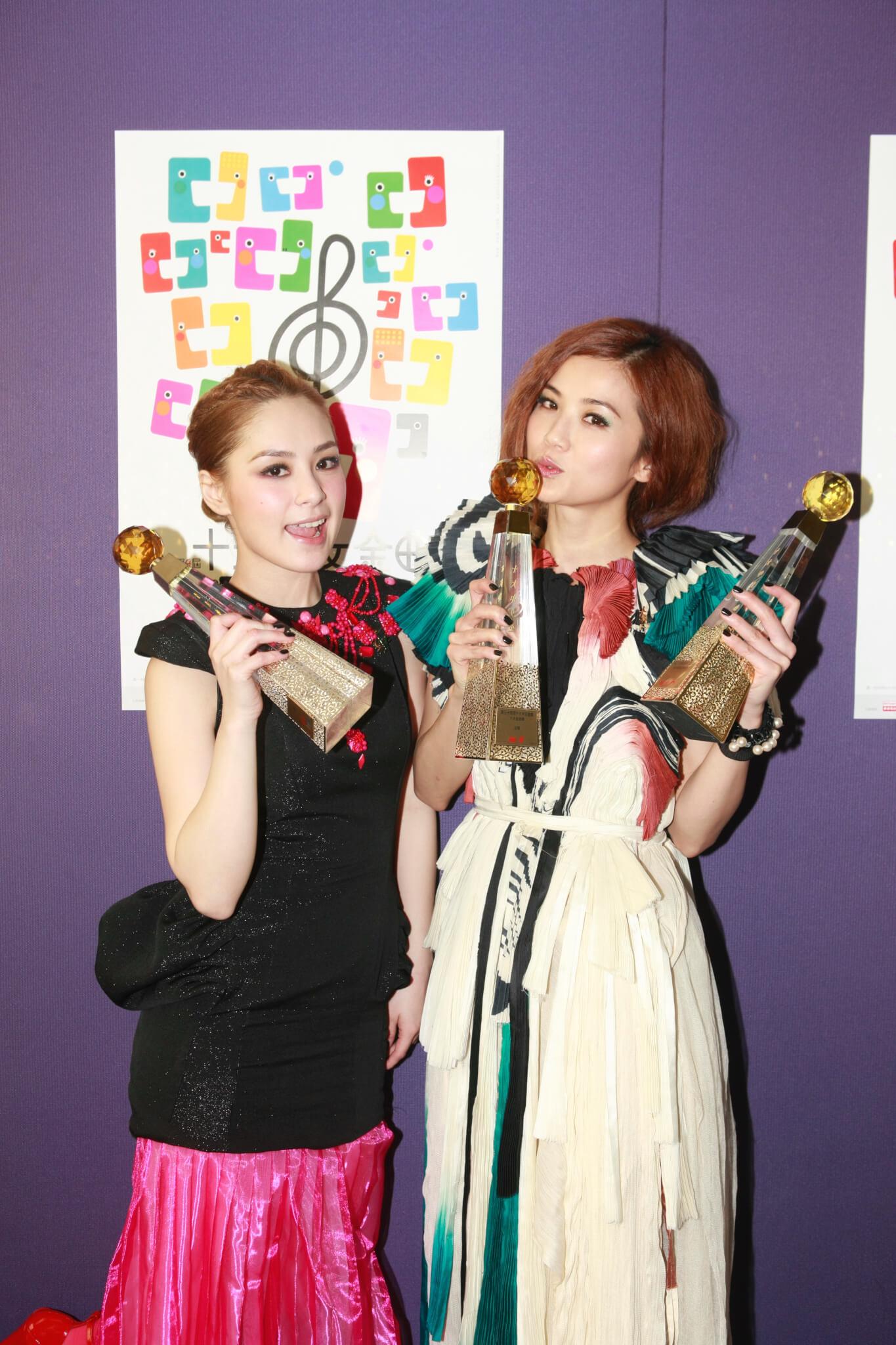 Twins出道多年,已囊括超過三百個音樂獎項。