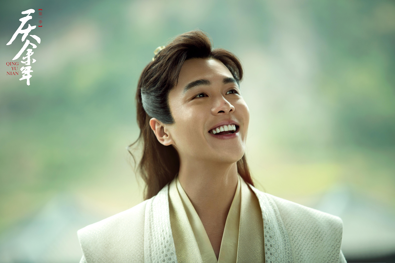 張若昀憑《慶餘年》裏的范閒一角大受歡迎。
