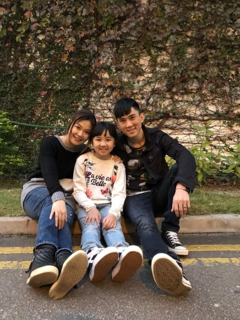 李興華與麥皓兒劇中飾演染毒癮父母,女兒為黃雪兒。
