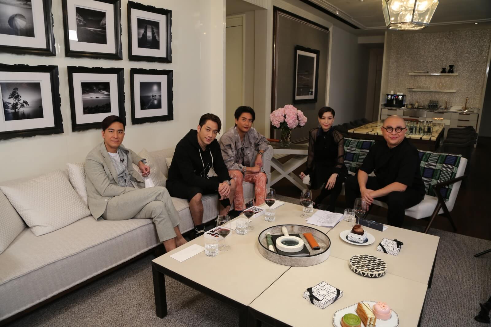 伍詠薇主持邵氏特別節目《TIGER'S TALK》,訪問吳卓羲、黃宗澤及馬國明。