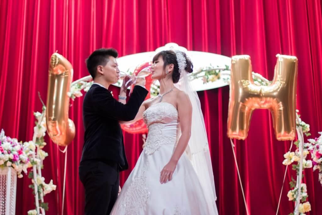 對於前一段婚姻,裕美斬釘截鐵說:「這個世界冇晒男人,我都唔會返轉頭!」