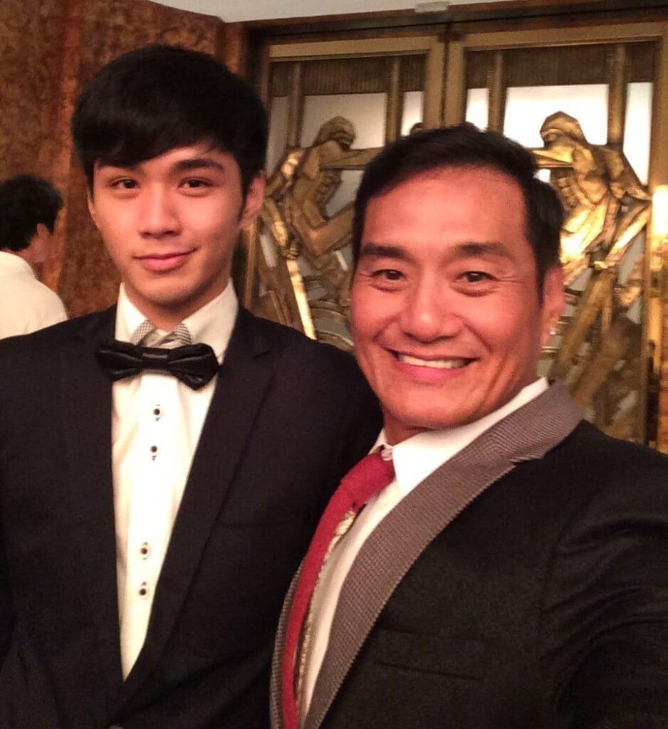 細仔東泰James廿八歲,王俊棠說他「有排捱」。