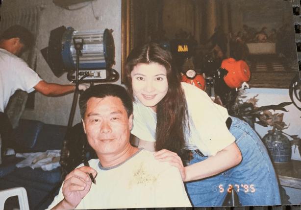 他曾在《霸王花與霸王花》與台灣演員楊麗菁合作