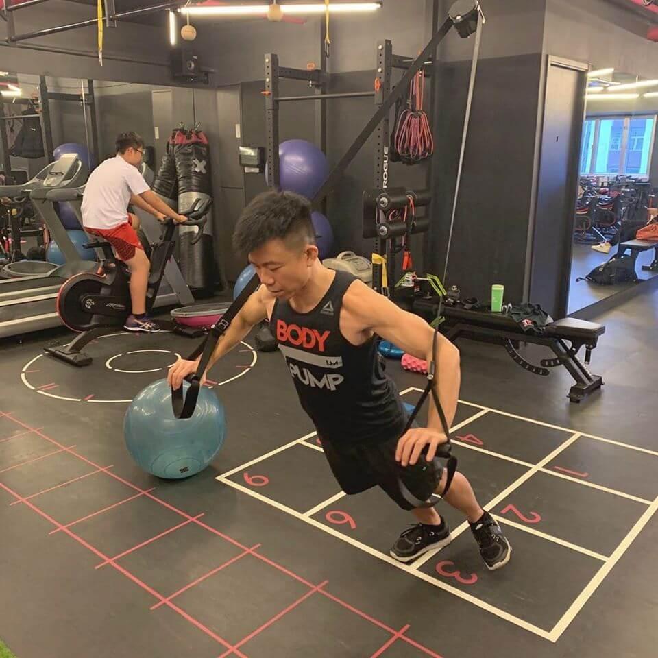 陳奐仁一七年發現有脂肪肝問題,之後努力做運動,由肥仔變肌肉男。