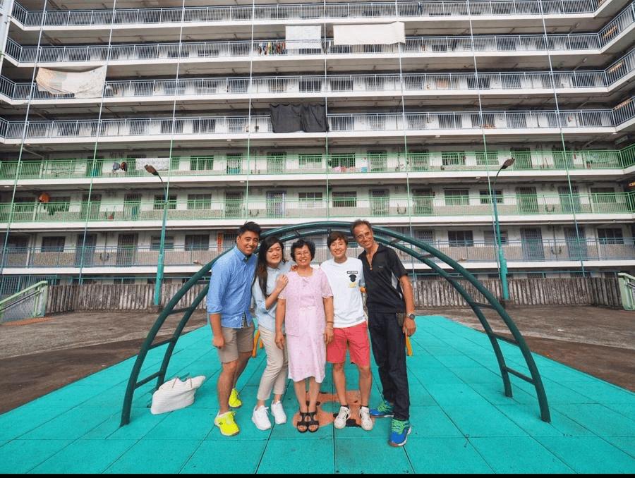 葉姵延雖然搬離廣源邨,但不時與家人重遊舊地,探望街坊好友。