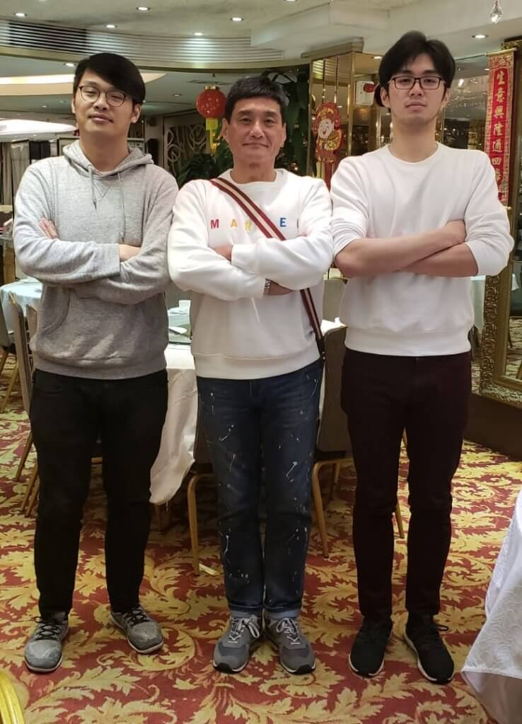 王俊棠有兩個兒子,長子 (左) 做攝影師。