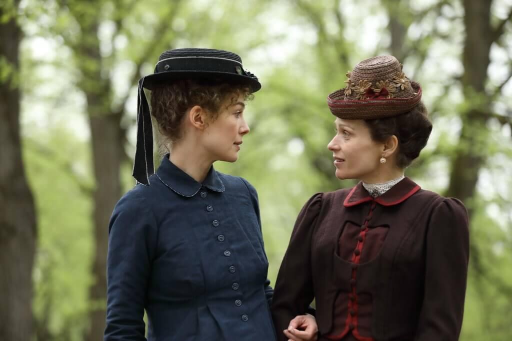居禮夫人不只是科學先驅,更是女權先驅。