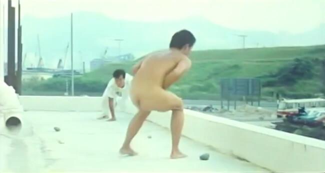 王俊棠在電影《流氓公僕》有露股鏡頭,他演反派,與男主角李修賢在天台追逐。