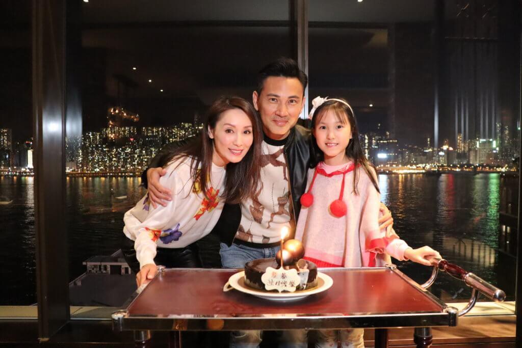 林文龍及郭可盈一0年誕下女兒林天若,轉眼間已經十歲的她遺傳了父母的優良基因,長得非常標致。