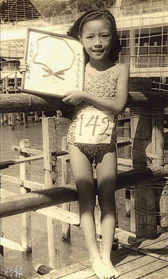 四歲開始練習游水,六歲已參加渡海泳,曾是香港種子隊泳員。