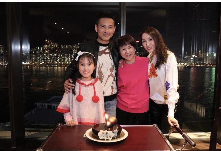 郭可盈及女兒去年十二月為林文龍慶祝五十二歲生日,跟他一家相識已久的亞洲電視控股非執行董事兼聯席主席賴彩雲亦有到賀。