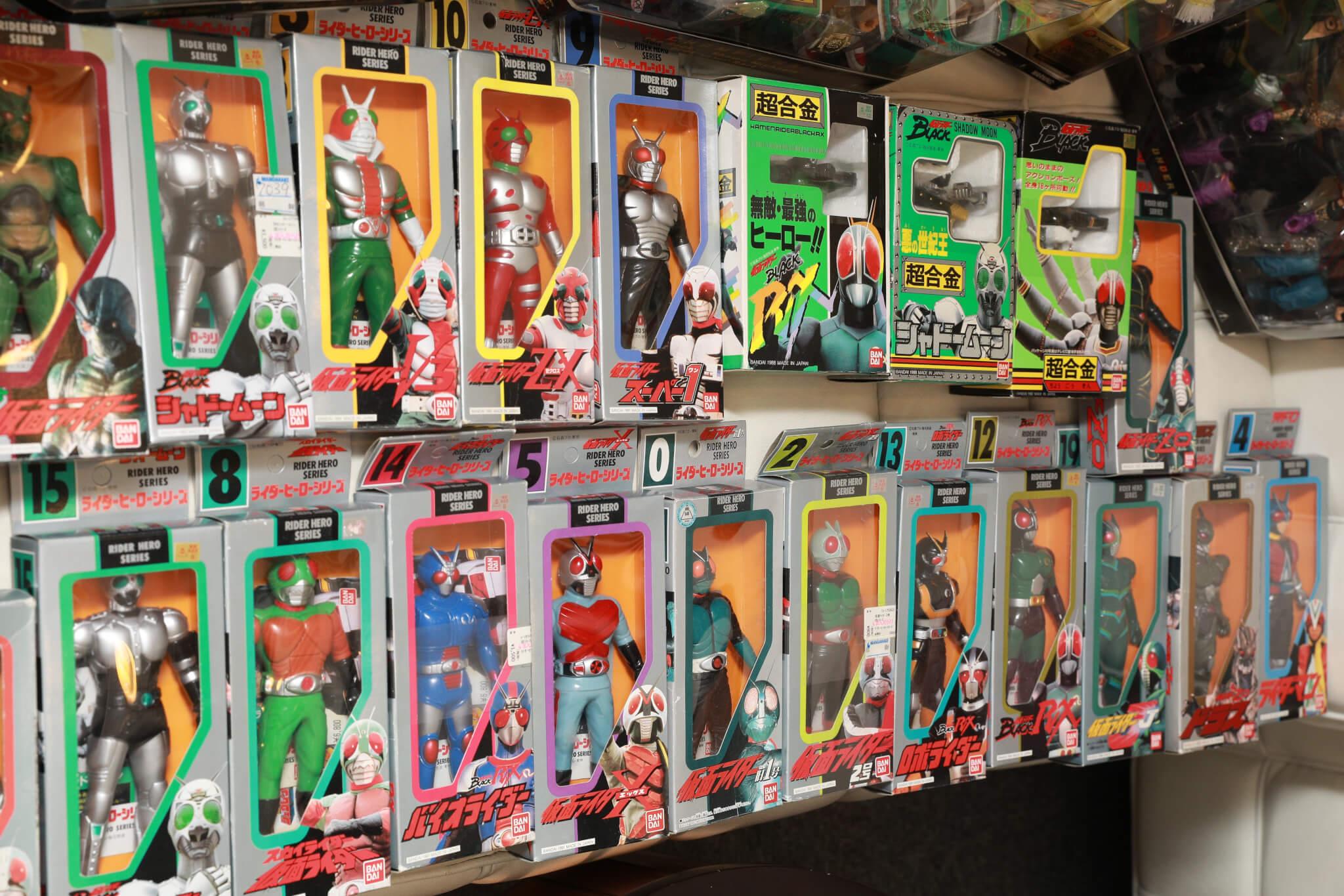 超人系列是他多年來逐件買回來,雖然不是很昂貴,但很有紀念價值。