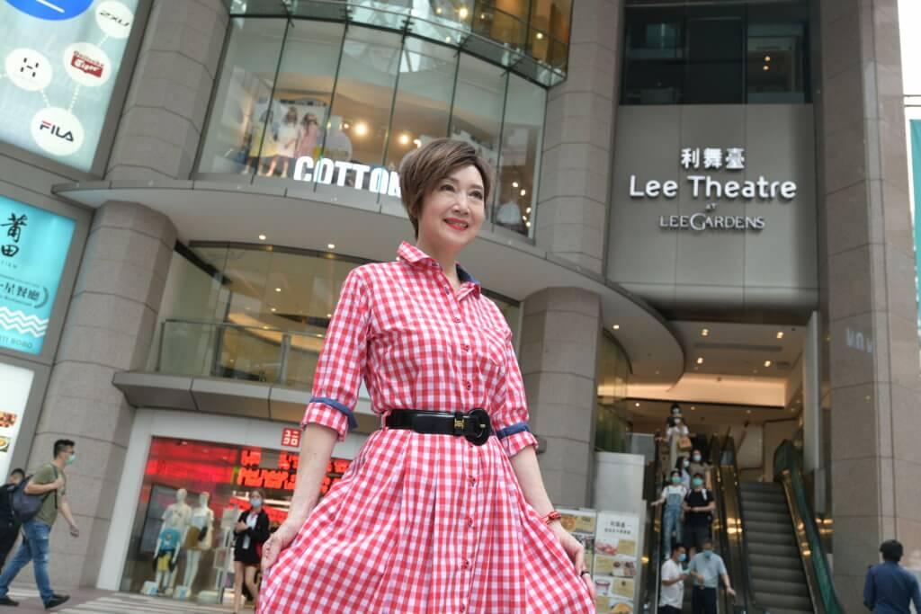 利舞臺是謝雪心首次近距離見仙姐和任姐的地方,仙姐還親自教她演戲。