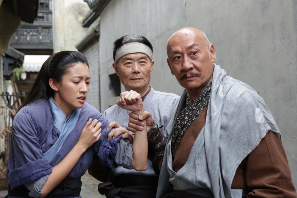 徐忠信與李家鼎在劇集《味想天開》飾演四海里惡人,旁為蔡思貝。
