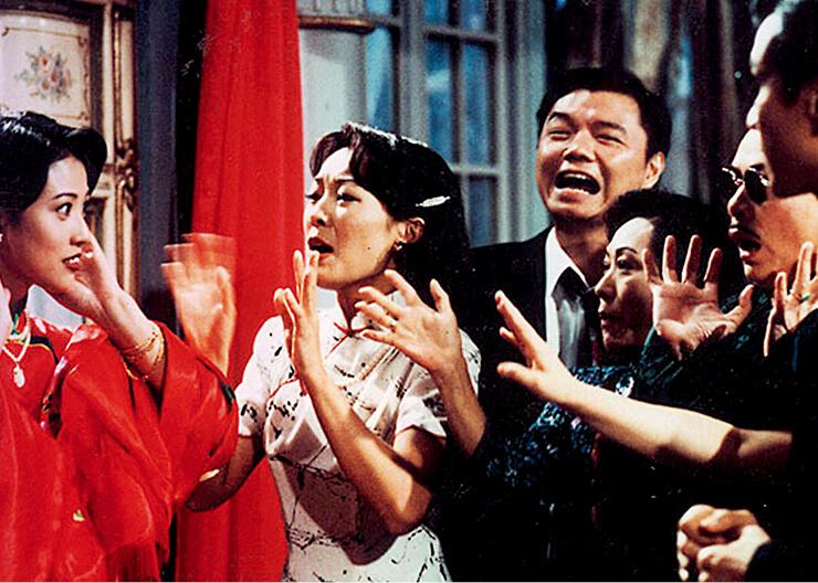 艾威在無綫劇集《大鬧廣昌隆》中飾演警員三六九,他被小芙蓉上身時,完全演到對方的神髓,演技超班。