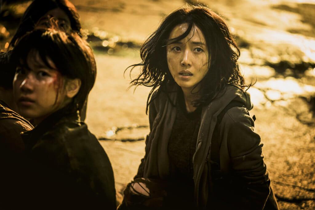 李貞賢在《軍艦島》中的演出令人留下深刻印象,這次與姜棟元搭檔也火花十足。