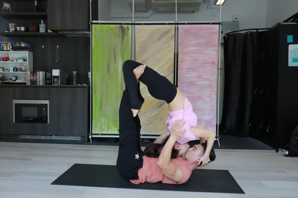 吳雲甫去年學瑜伽認識導師Jackie,二人拍拖五個月便閃婚。