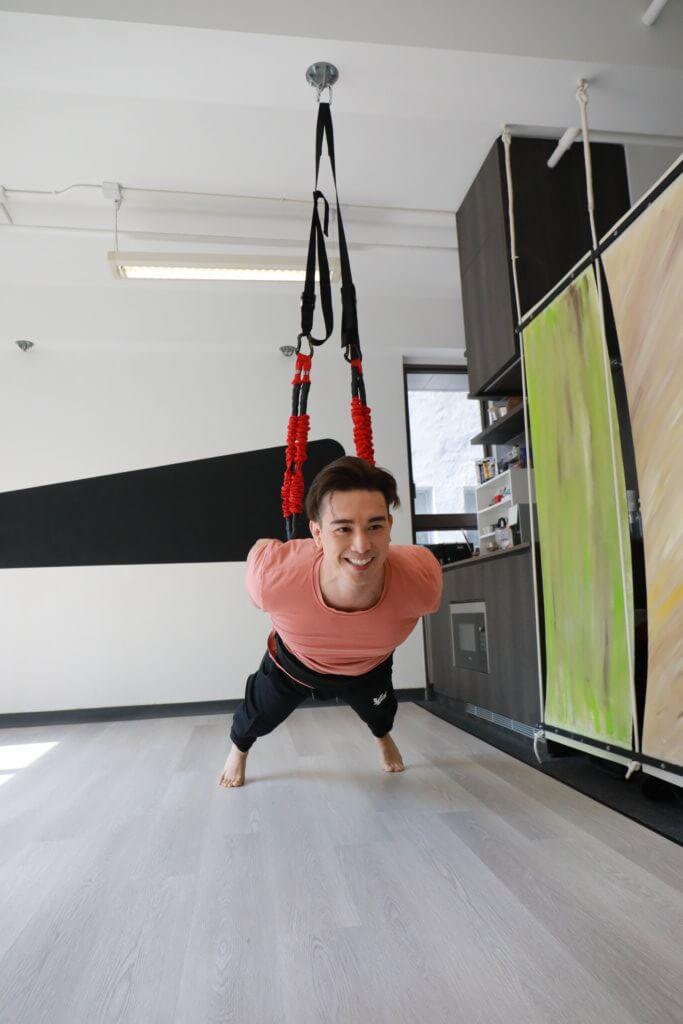 吳雲甫考獲TRX懸吊訓練導師資格,此項運動是全身性的肌力訓練,可提高力量、柔韌性在核心穩定性。