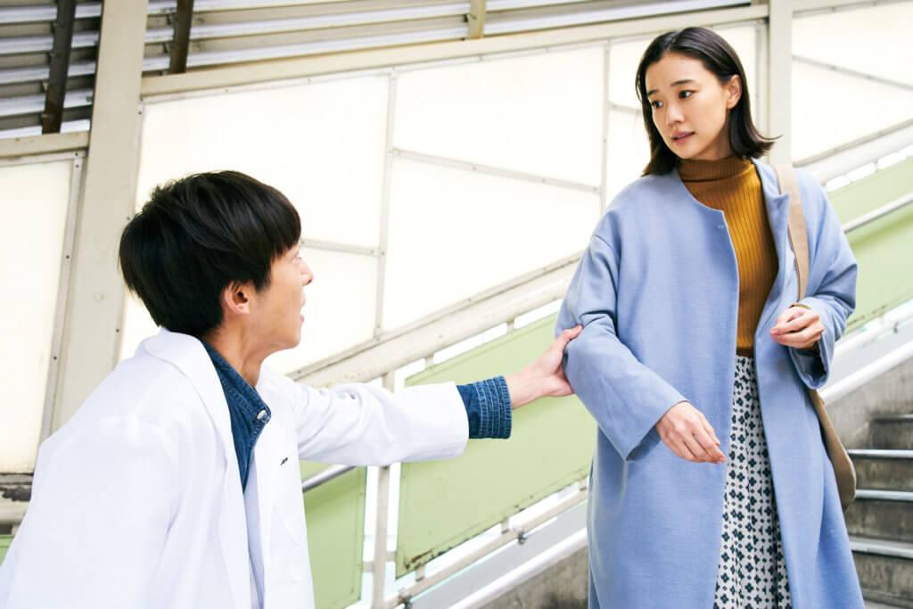 高橋一生片中與女主角蒼井優的愛情及婚姻由一個大話開始