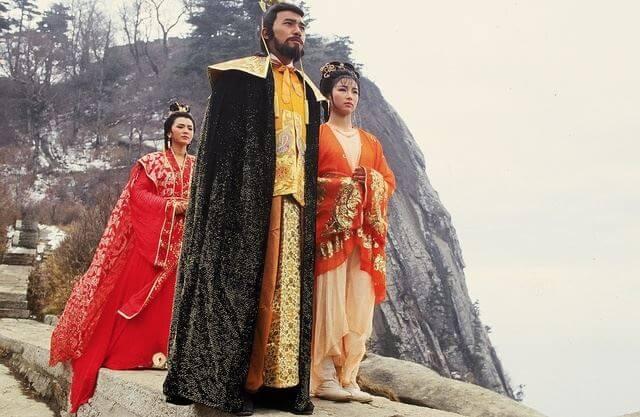 梁朝偉、王綺琴、陳玉蓮在《大運河》合作,王綺琴說那天原來是她第一天開工,在華山拍攝。