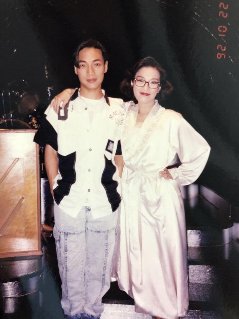 在演藝學院畢業後,譚偉權加入香港話劇團,與同班同學劉雅麗一起參演港產舞台劇《我和春天有個約會》,叫好叫座。