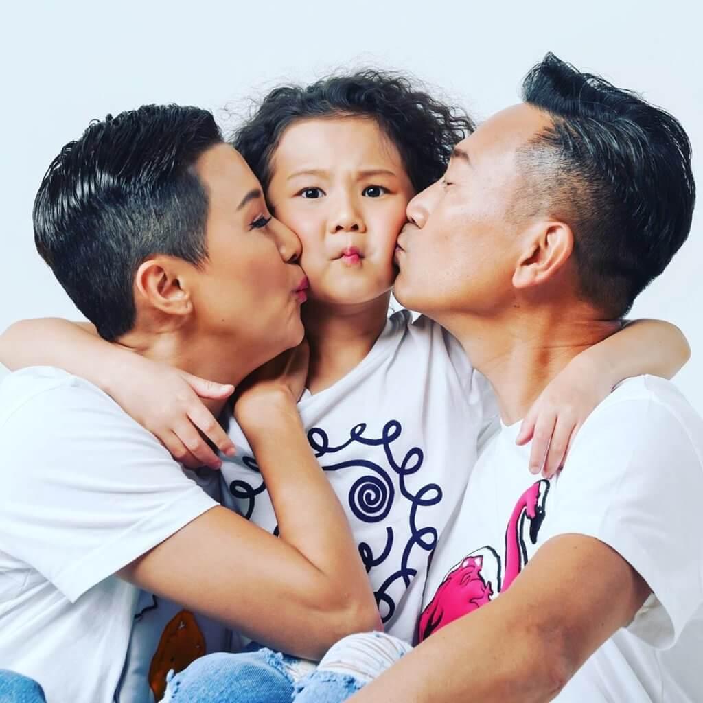 陳國邦規定要密密kiss,女兒陳禛和太太羅敏莊都已習慣。