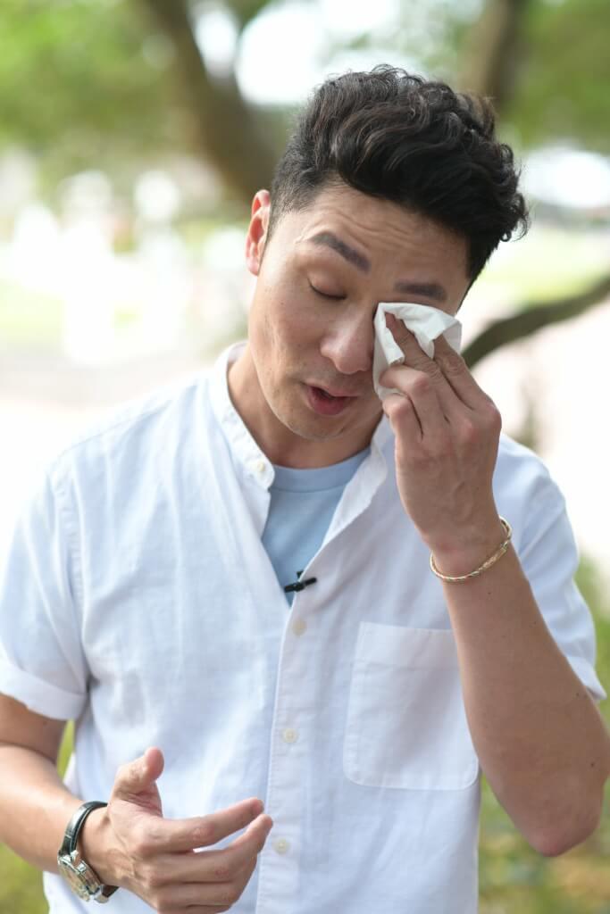 提起地震災民慘況,姚亦澧激動落淚。