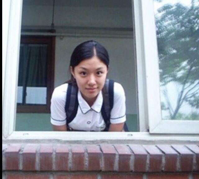 讀高中時期的徐智慧已有出眾的美貌