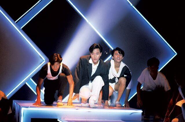 1986年,張國榮擔任決賽司儀兼表演嘉賓,在他左手邊的舞蹈員就是郭富城及Sunny Wong(右)。