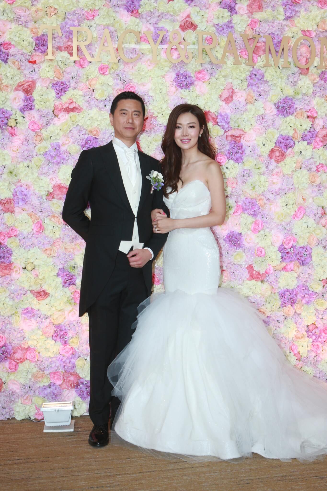 2015年7月,葉翠翠與年長6歲建築師男友周曉東結婚。