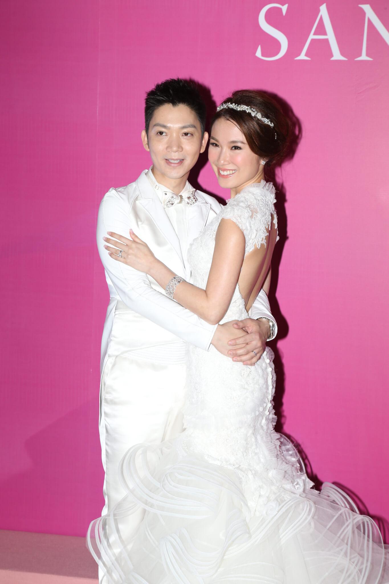 2013年2月,劉倩婷與玄學家李丞責結婚,一年後以照顧家庭為由淡出娛乐圈。