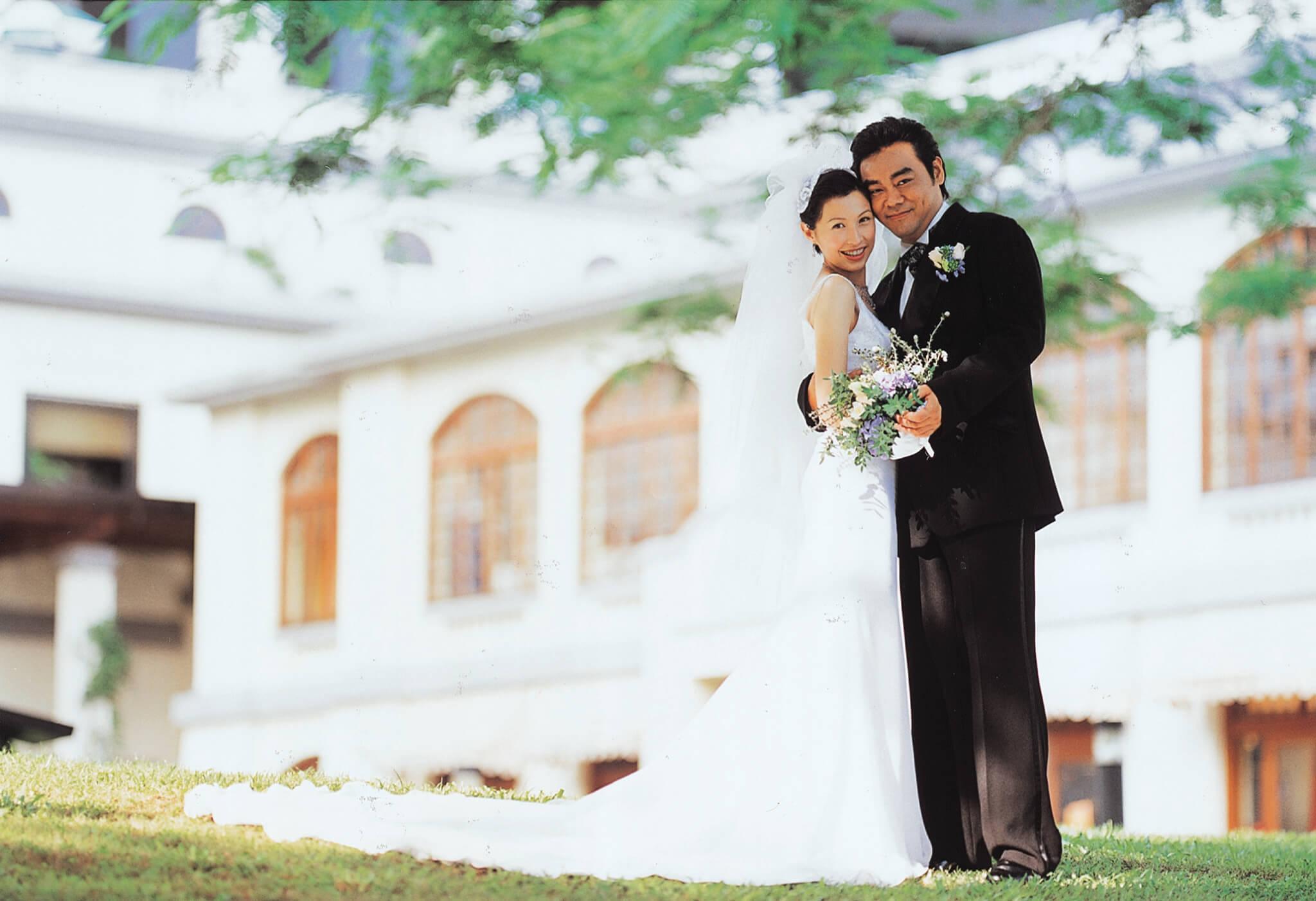 1998年6月郭藹明跟劉青雲結婚。