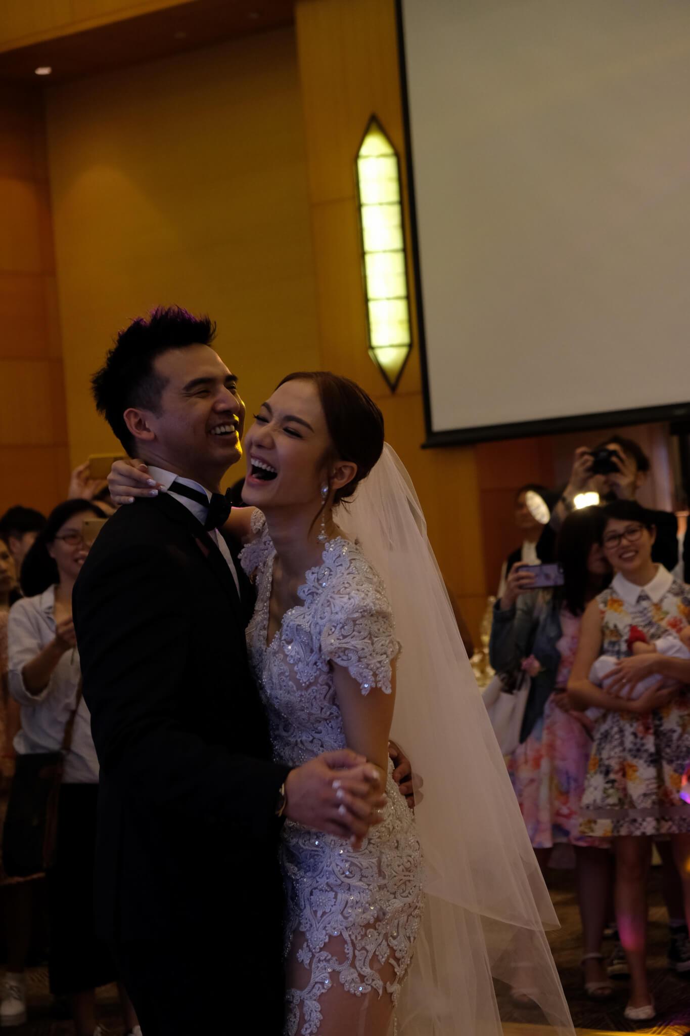2016年11月16日,王君馨與拍拖11年、比自己年輕10天的圈外男友Daniel Chang入紙申請註冊結婚,之後在翌年的相識紀念日7月11日假「美國會」設宴擺酒。