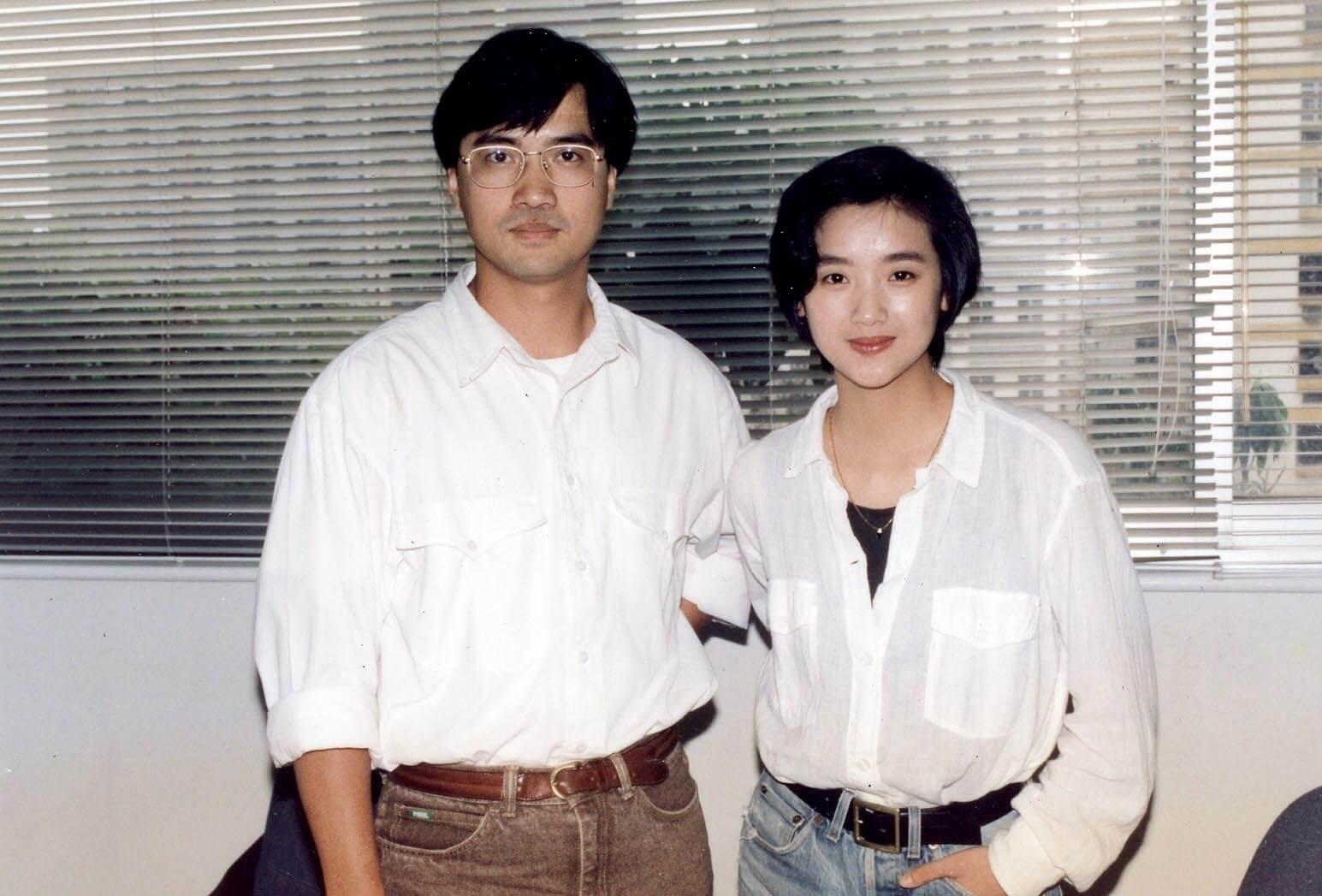 杜琪峰、王晶及林嶺東聯合做監製,想拍一部電影《天若有情》送給阿叔王天林,就讓陳木勝做導演,成為他的處女作,這部戲也讓吳倩蓮走紅了。