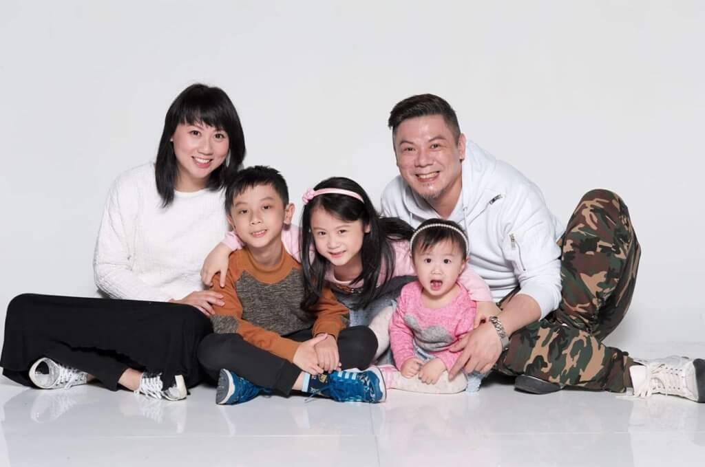 彭皓鋒慶幸有太太在背後默默支持,並照顧好三名子女,他一直努力工作,希望家人可以有更好的生活條件。