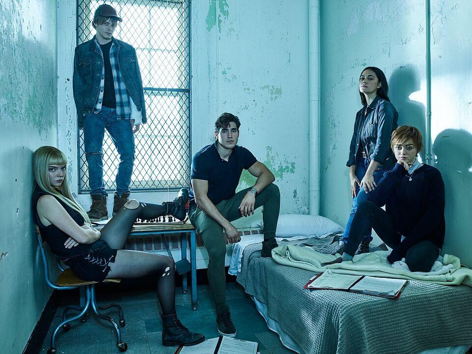 (左起)安雅泰萊采兒、查理希頓、亨利撒嘉、普莉亨特及美絲威廉斯,在《新異變人》合力逃出生天。