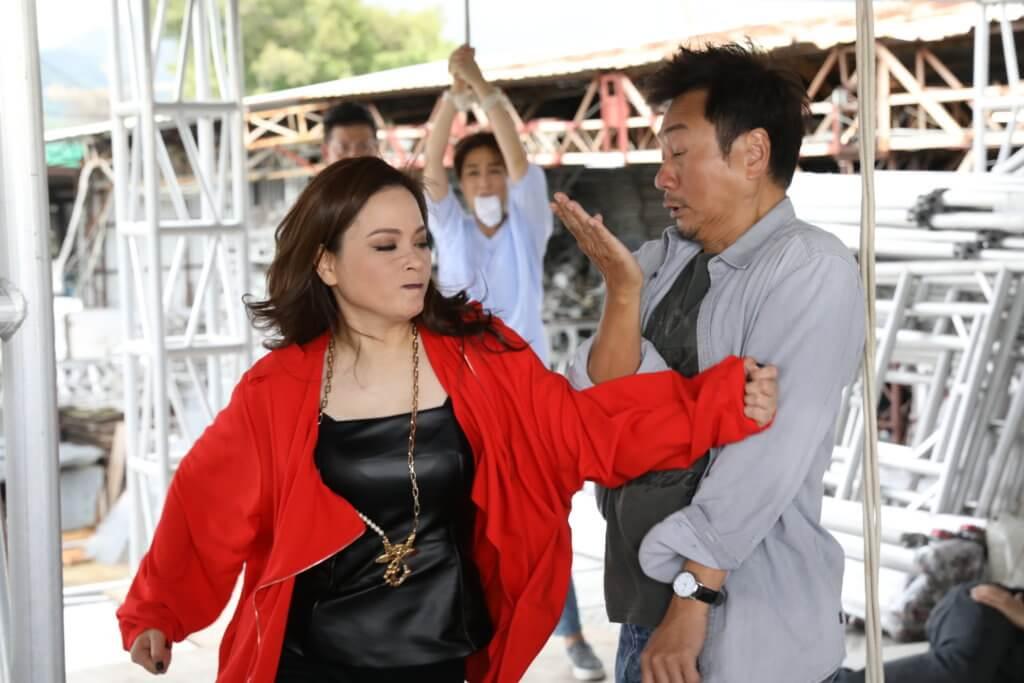 《殺手》一劇中的刀疤面紅姐,令觀眾認識另一面的樊亦敏。