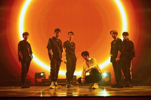 Monsta X早前舉行網上演唱會,舞台效果也不輸實體現場演出。