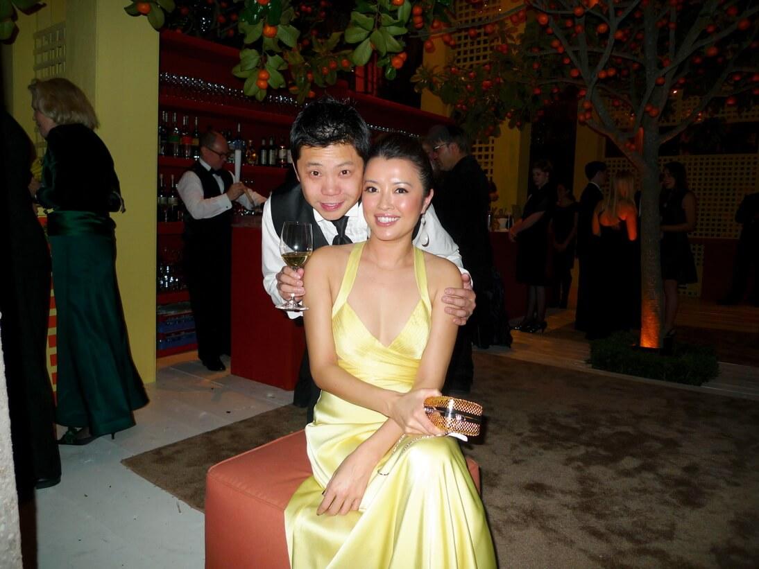 2012年7月,與拍拖八年的男友於美國舉行婚禮。