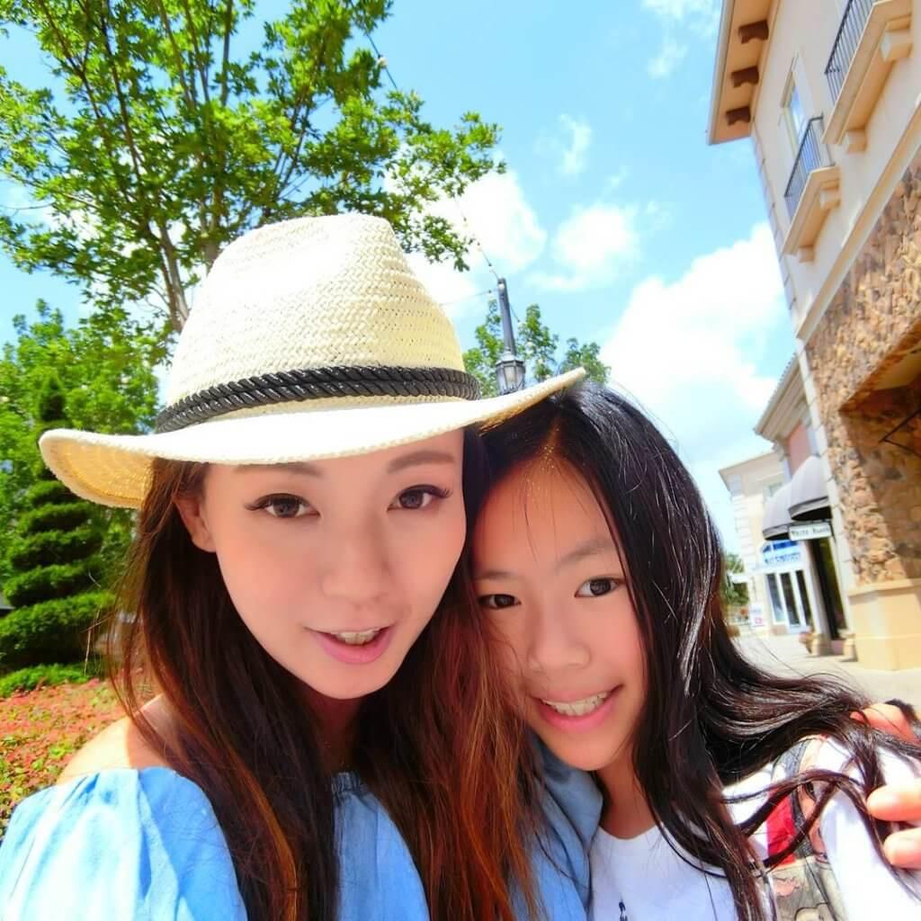 森美太太做過童星拍電影,她在IG貼出與女兒的合照,兩母女都嬌俏可人。