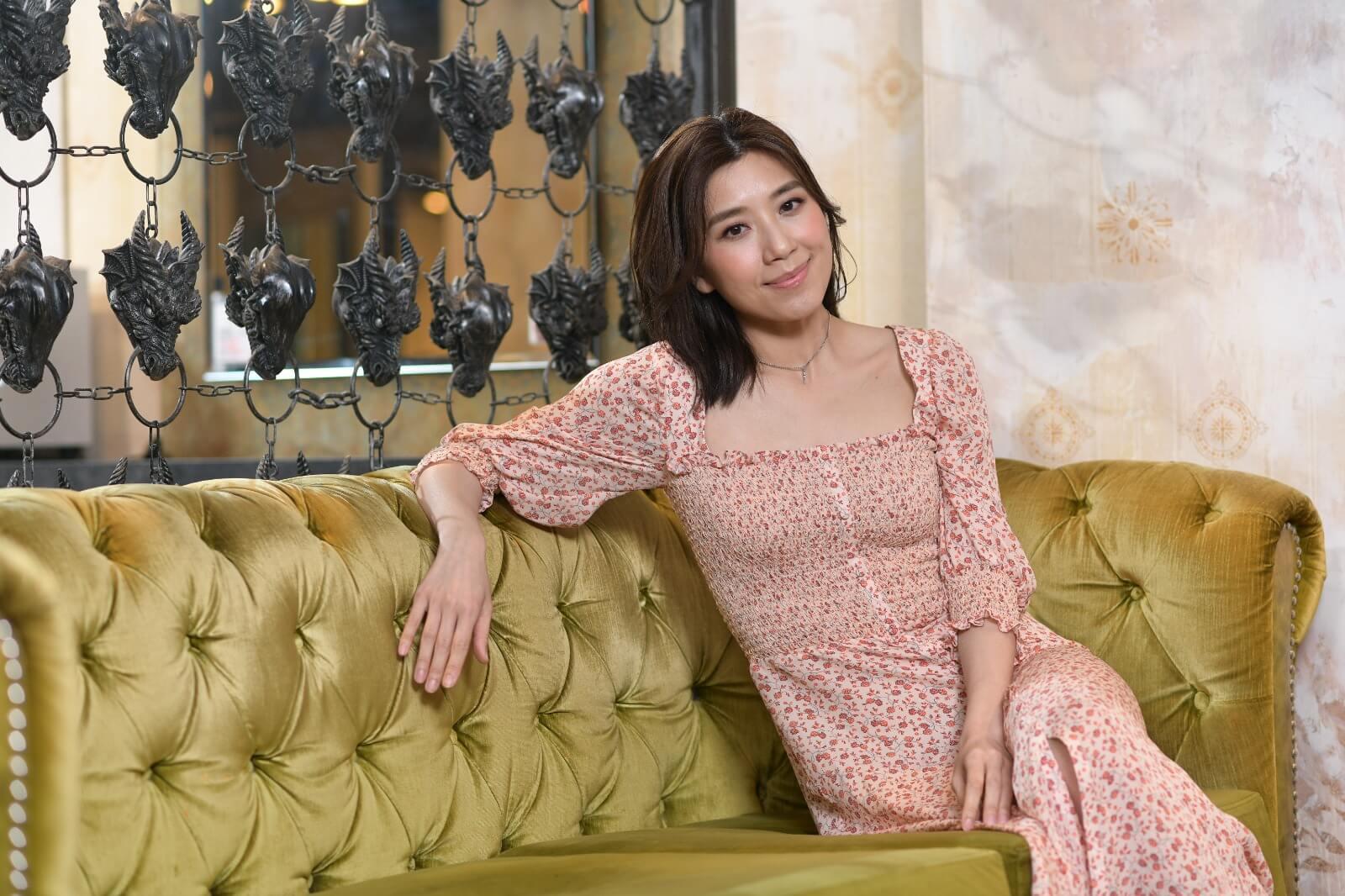 黃智雯與圈外男友詹文天拍拖多年,結婚計劃已在她的人生大事件簿上。