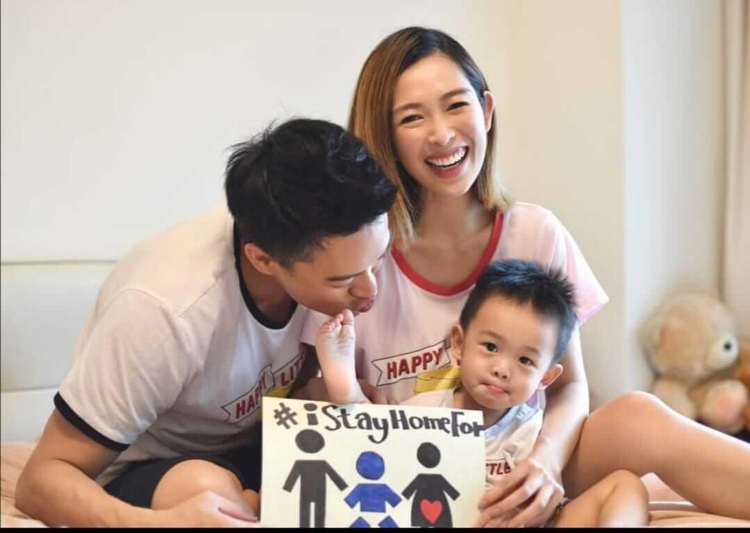 由於懷孕期間遇上疫情,早前一家三口於社交平台勸籲市民留家抗疫。