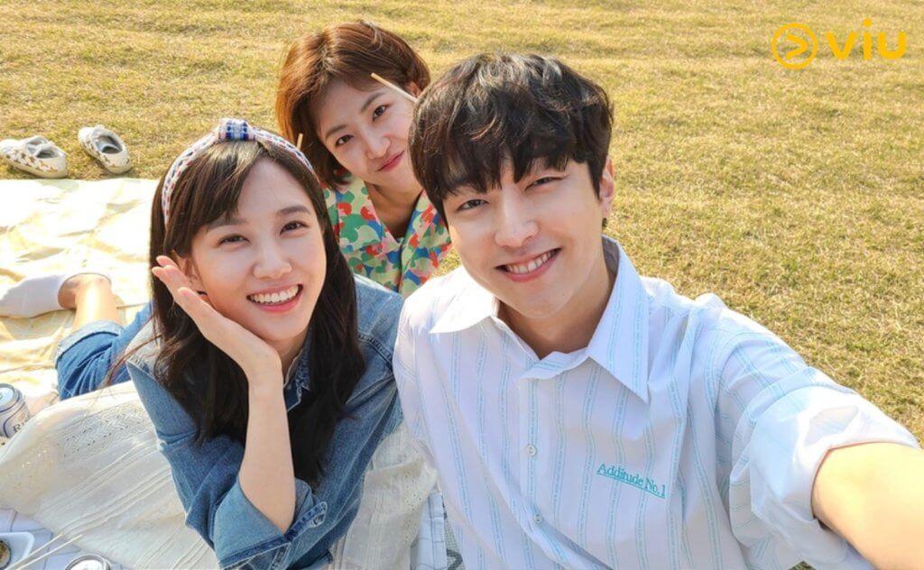 朴恩斌在劇中暗戀女友斐多彬的前男友李有鎮,是劇中第一個三角關係。