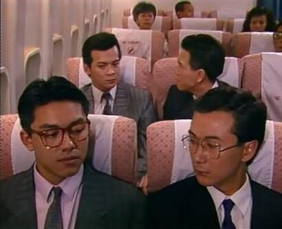 阿庭在《義不容情》飾演溫兆倫助理